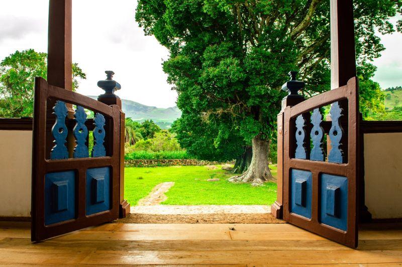 dvoriščna vrata